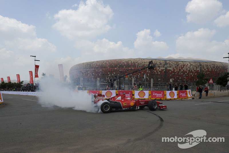 Shell showcases Ferrari at Johannesburg demo run
