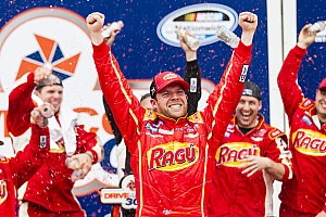 Regan Smith edges Brad Keselowski by .013 seconds to win at Daytona