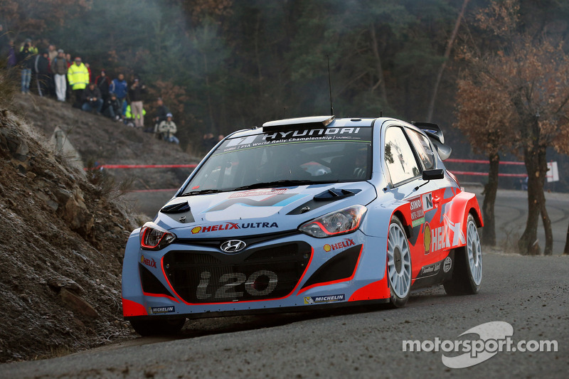 Hayden Paddon to join Hyundai for select events