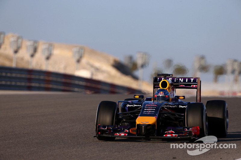 Melbourne-spec car different on inside - Vettel