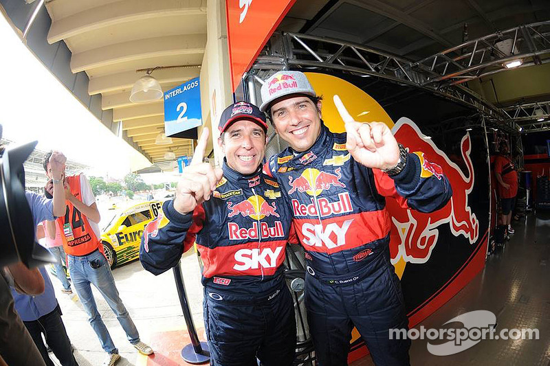 Cacá Bueno and his guest Pato Silva are pole position at Interlagos