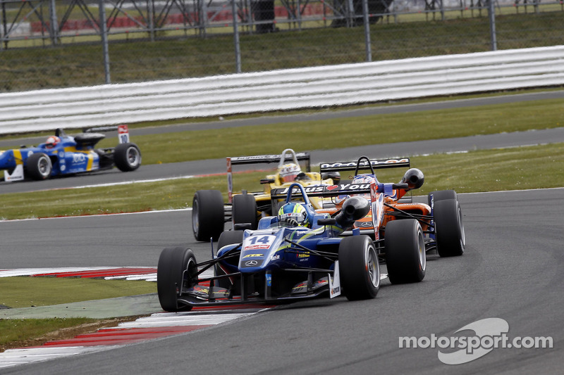 Guimarães begins season in the points at Silverstone