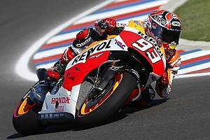 Marquez shines in Argentina to to take third MotoGP win in a row