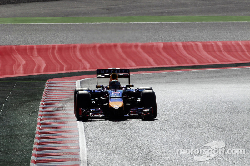 Small failure ruins Vettel free practice day for the Spanish GP