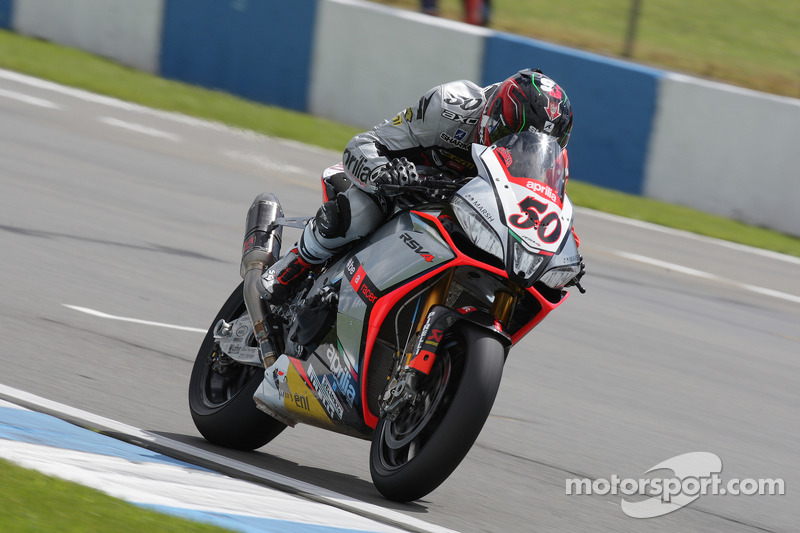 Guintoli takes Superpole 1 in Sepang