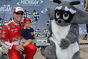 Harvick shocks with fastest pole lap in NASCAR since 1987