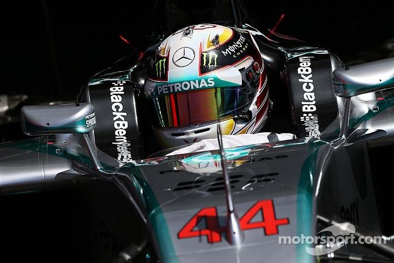 Hamilton expects contract talks within 2014