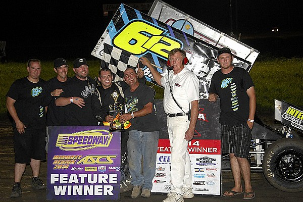 Sprint car racer, a paraplegic since age 14, wins his first feature race