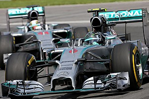 Hamilton, Rosberg disagree over need for talks