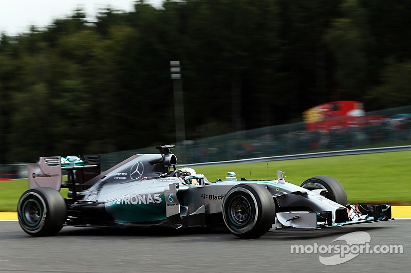 Hamilton leads FP2 as Maldonado crashes