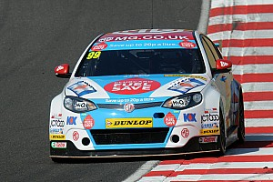 BTCC Qualifying report Jason Plato 'storms' to pole at Brands Hatch