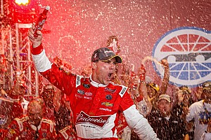 What pressure? Kevin Harvick is free to run his own race on Sunday