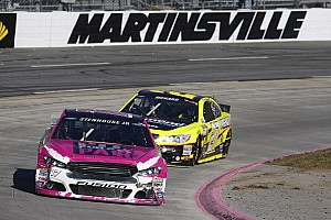 Stenhouse gets best career Martinsville finish