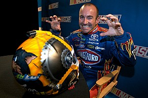 As Whincup closes in on sixth title, a Tasmanian Devil lurks in the shadows