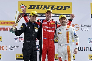 BTCC Race report Shedden pips Priaulx in Brands Hatch photo finish