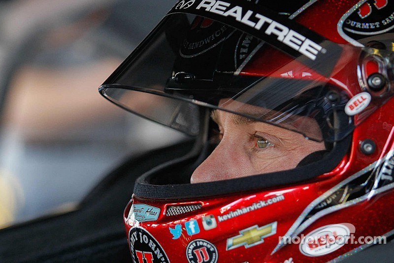 Harvick isn't happy with competitors blocking