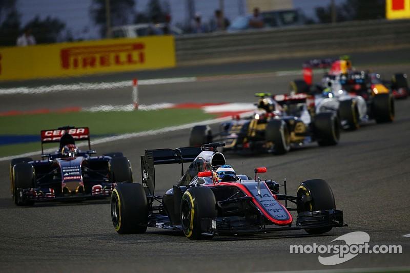 Fernando Alonso sabe que mejorarán en España
