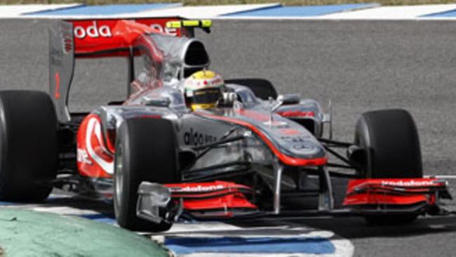 F1: Hamilton chiude in bellezza i test
