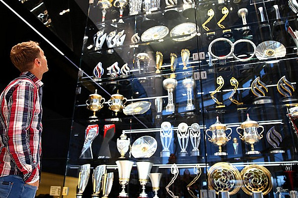Four arrested in Red Bull trophies robbery