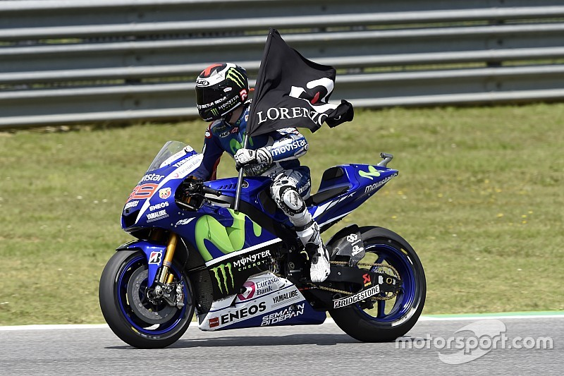 Lorenzo, en pos de liderato de Rossi en Cataluña