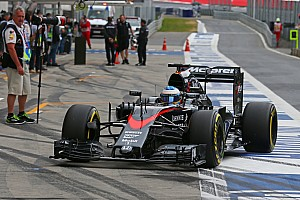 McLaren-Honda full of minor problems on opening day in Austria