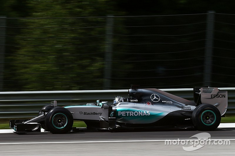 Rosberg keeps Mercedes on top in Austria test