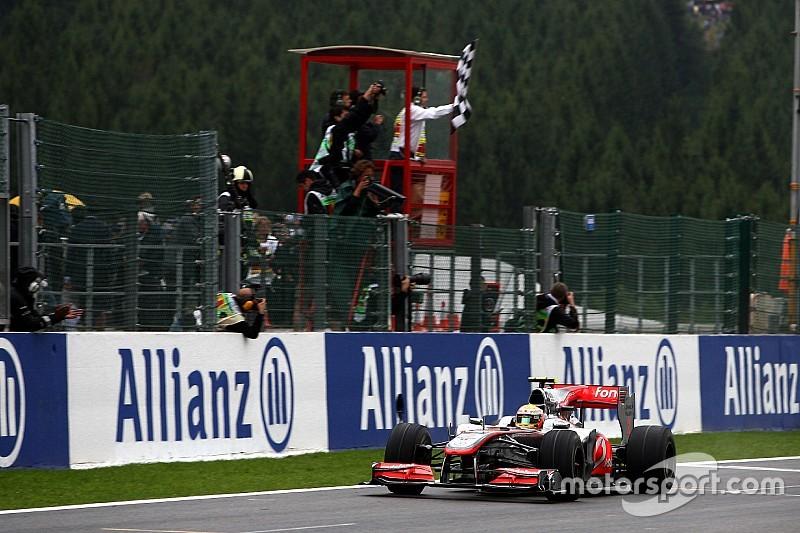 """Para Hamilton, ano de 2015 da McLaren está """"duro de assistir"""""""