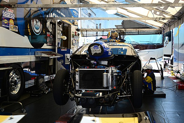 Some Pro-Stock teams ignore new NHRA mandate