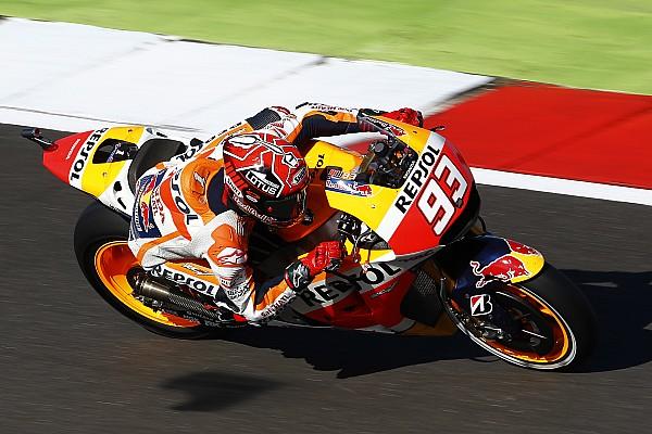 Silverstone MotoGP: Marquez beats Lorenzo to pole