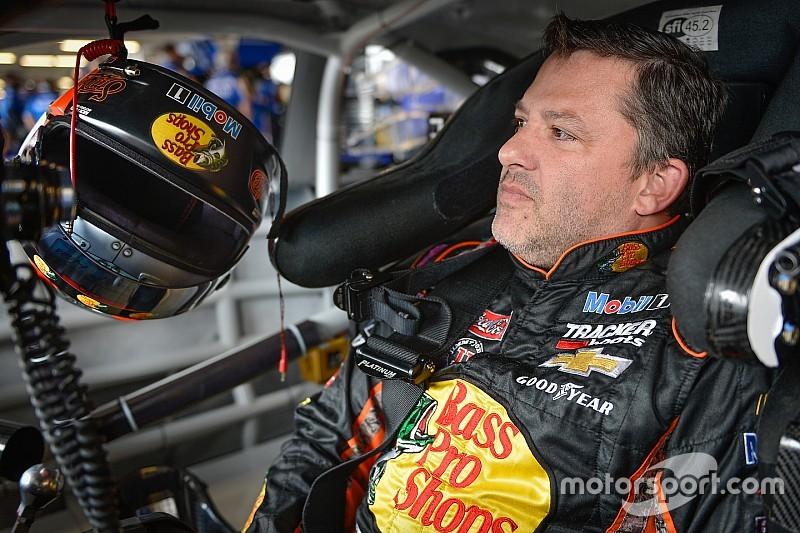 Tony Stewart encerra carreira na NASCAR após temporada 2016