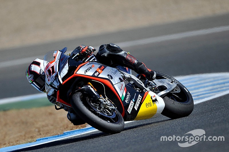 Haslam splashes his way to French Superpole win