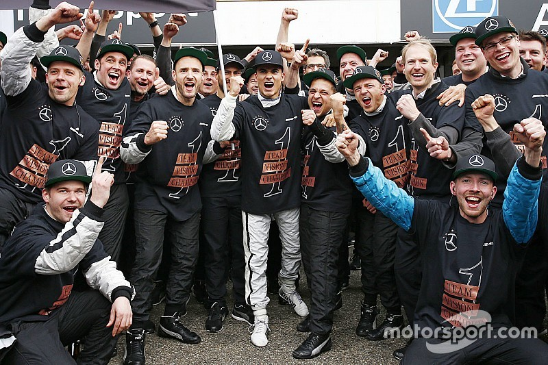 "Mercedes feiert Pascal Wehrlein: ""Verdienter DTM-Champion"""