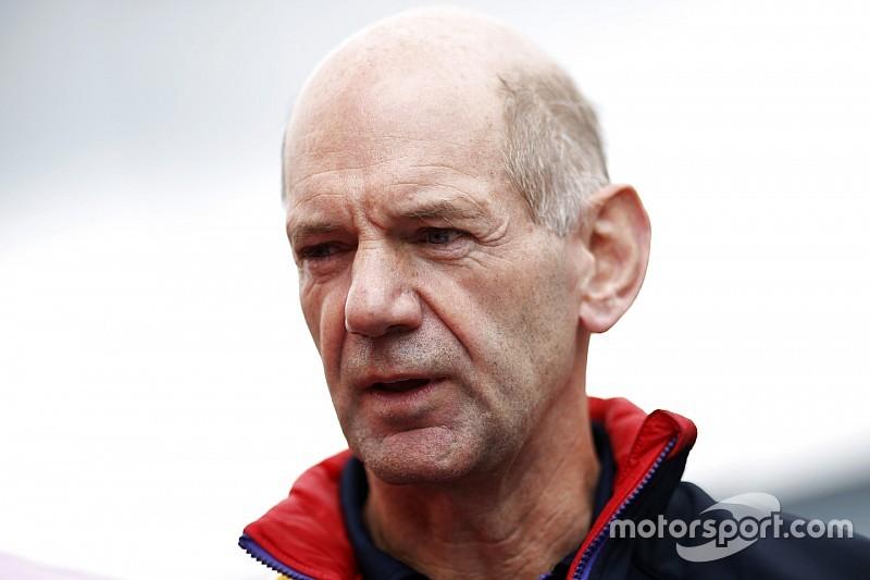 Newey baalt: 'Mercedes en Ferrari controleren de F1'
