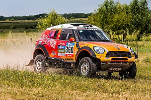 Dakar Breaking news Dakar prologue suspended as car hits spectators