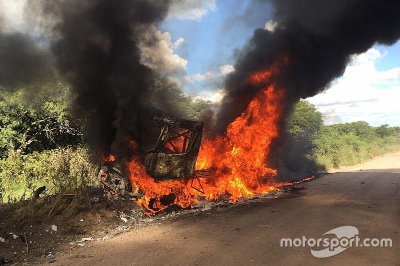 雷诺卡车起火,退出达喀尔拉力赛