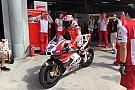 Stoner rijdt eerste MotoGP-meters sinds terugkeer bij Ducati