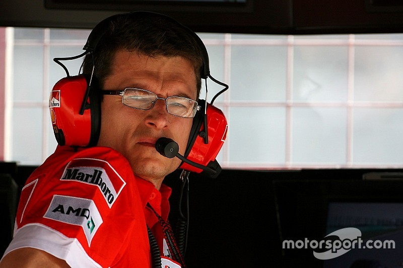 Former Ferrari chief engineer Dyer joins Renault