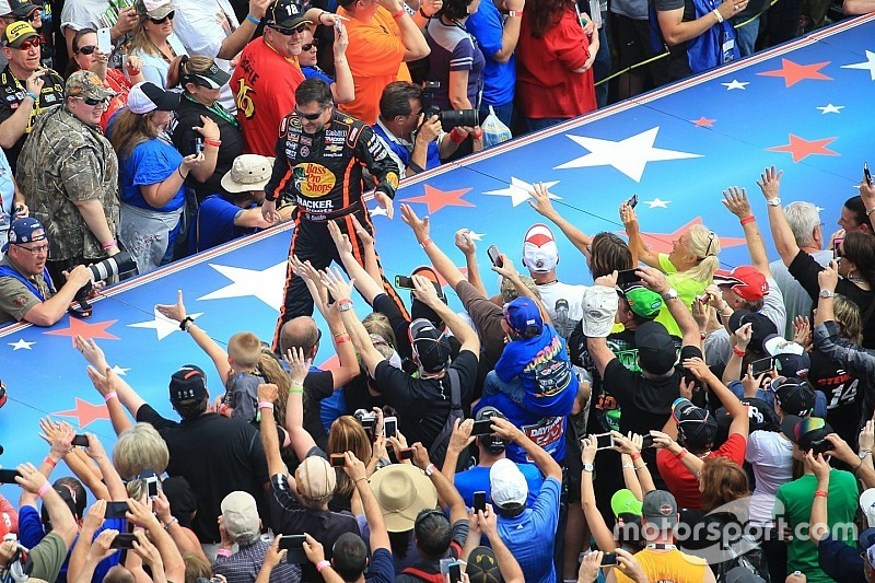 If Tony Stewart can return this season, he will - for his fans