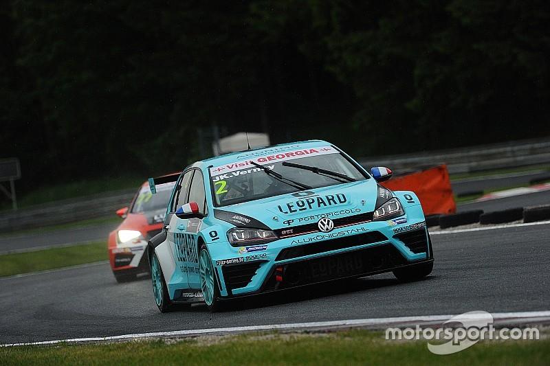 TCR у Зальцбургу: Верне виграє другу гонку в дощових умовах
