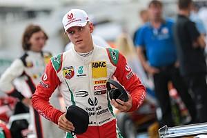F4 BRÉKING Mick Schumacher-parádé és győzelem a Nürburgringen az első versenyen