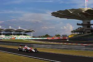 GP3 Репортаж з гонки GP3 у Сепангу: Альбон виграє першу гонку, де Вріс вибиває Леклера