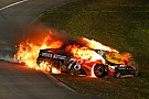 Monster Energy NASCAR Cup Johnson wint zevende NASCAR-titel, auto Truex Jr gaat in vlammen op