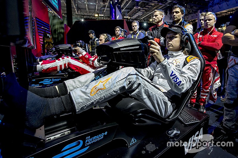 【フォーミュラE】FEドライバーを抑えゲーマーが賞金1億円eレース優勝
