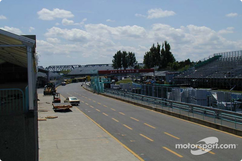 Pitlane from VIP tent