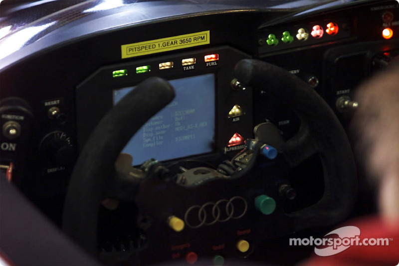 The cockpit of the Infineon Audi R8