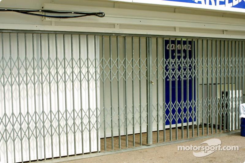 Williams garage on Friday morning