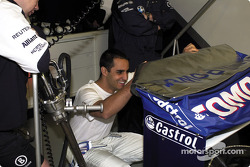 Juan Pablo having a good time with the rear wing warning message