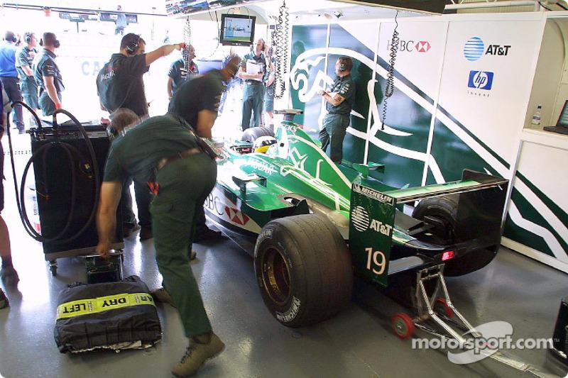Pedro de la Rosa in Jaguar garage