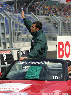 Drivers parade: Dario Franchitti