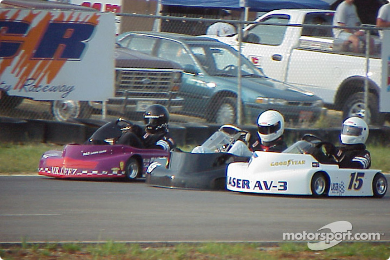 Briggs Super Heavy drivers get three wide on the back straight 15-Michael Hayworth
